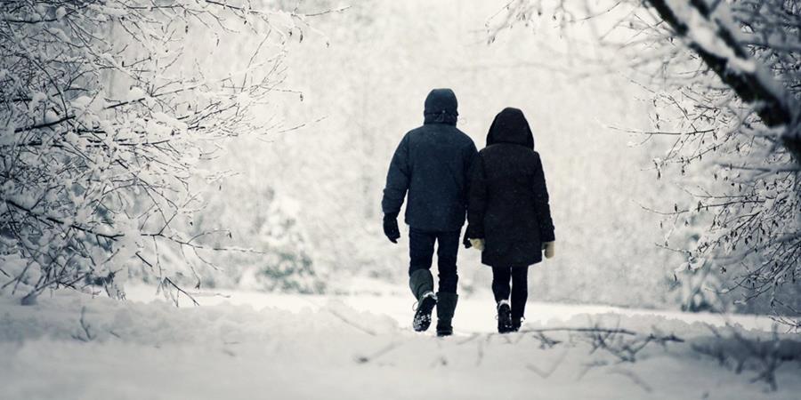 No hay que dejar que la chispa de la atracción en la pareja se apague cuando bajan las temperaturas.