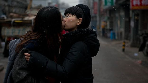 Según Mao, la actitud de China hacia la comunidad LGBT se ha vuelto más comprensiva con los años.  GETTY IMAGES