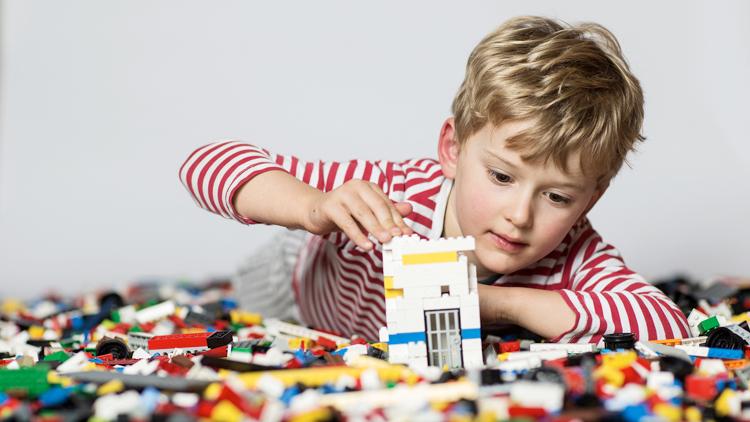 Estudio concluye que el nivel de violencia en las piezas de LEGO ha aumentado.