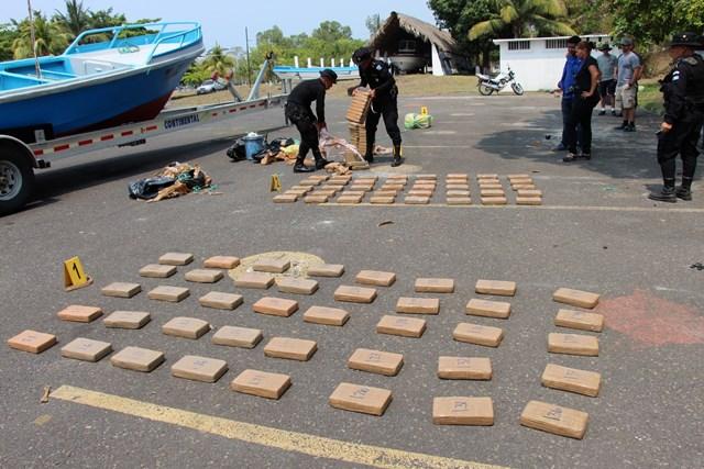 Autoridades guatemaltecas incautaron 160 kilos de cocaína el pasado 25 de mayo en las costas del Pacífico. (Foto Prensa Libre: Hemeroteca PL)