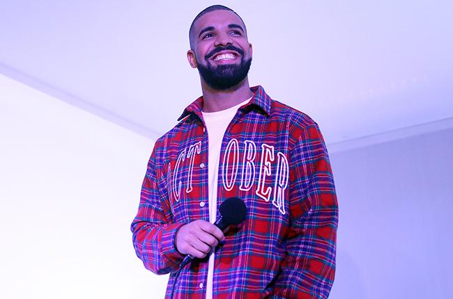 El cantante canadiense Drake obtuvo dos Grammy este año por su canción Hotline Bling. (Foto Prensa Libre: Toronto Star / Getty Images)