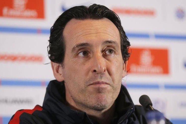 Emery fue duramente criticado por el planteamiento defensivo extremo contra el Barcelona en el juego de vuelta. (Foto Prensa Libre: AFP)