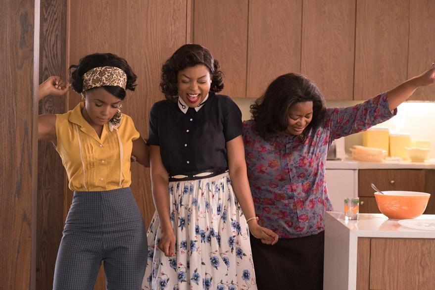 Mary Jackson (Janelle Monae, left), Katherine Johnson (Taraji P. Henson) y Dorothy Vaughan (Octavia Spencer) son tres mujeres matemáticas que rompieron con las barreras raciales y de género en la NASA, en donde demostraron ser indispensables pues eran las mejores en su trabajo.  (Foto Prensa Libre: Cortesía Revsa)