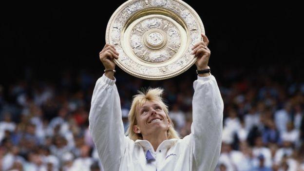 Martina Navratilova dominó el juego femenino durante más de una década y ganó su noveno título de Wimbledon en 1990.