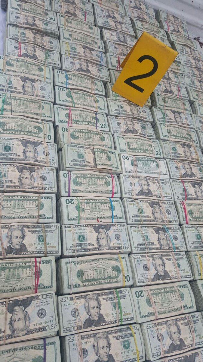 El Ministerio Público considera que el dinero podría pertenecer a un cartel del narcotráfico. Foto Prensa Libre: MP)