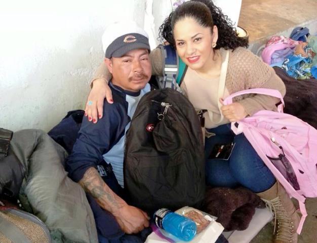 Rosie Chacón de Noyola ayuda a indigentes en las calles de Chicago. (Foto Prensa Libre: Cortesía)