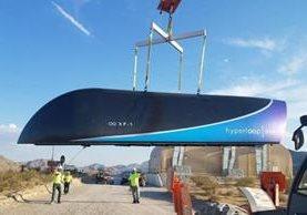 Las cápsulas son propulsadas a lo largo de un tubo al vacío usando tecnología de levitación magnética. Foto: Virgin Hyperloop One.