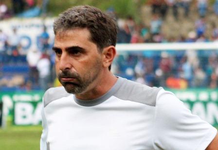 Fabricio Benítez, técnico de Cobán, seguirá al frente. (Foto Prensa Libre: Eduardo Sam Chun).