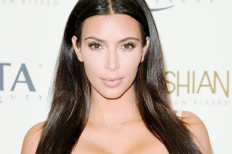 Kim Kardashian dijo a la revista que es más inteligente de lo que aparenta.
