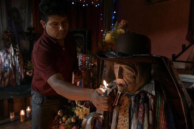 El documental Maximón fue filmado durante una viaje de dos semanas para varios rincones del país. (Foto Prensa Libre: Cortesía Castillo Films)