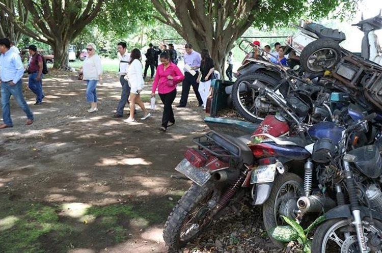 El predio sirve actualmente para colocar vehículos consignados. (Foto Prensa Libre: Cristian Icó)