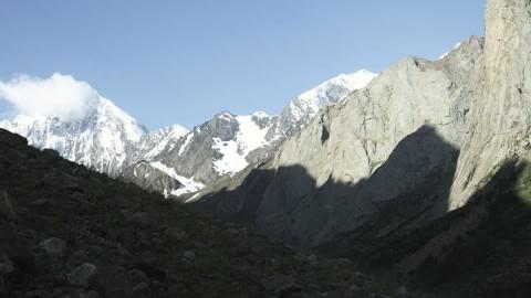 Los tres alpinistas españoles murieron en una avalancha mientras escalaban en el Kirguistán. (Foto Prensa Libre: Internet).