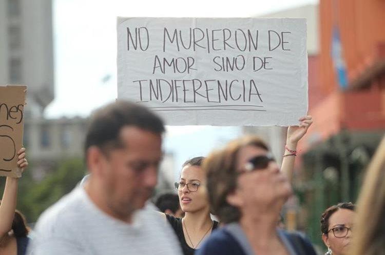 Guatemaltecos lloran a las víctimas del Hogar Seguro