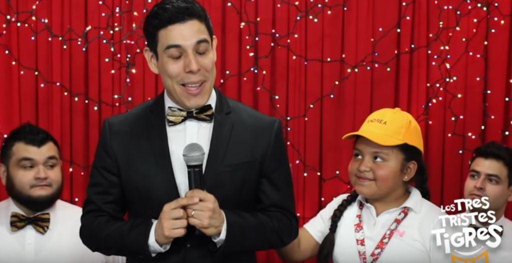 Andrea protagoniza videoclip del grupo Los Tres Tristes Tigres. (Foto Prensa Libre: Tomada de YouTube)