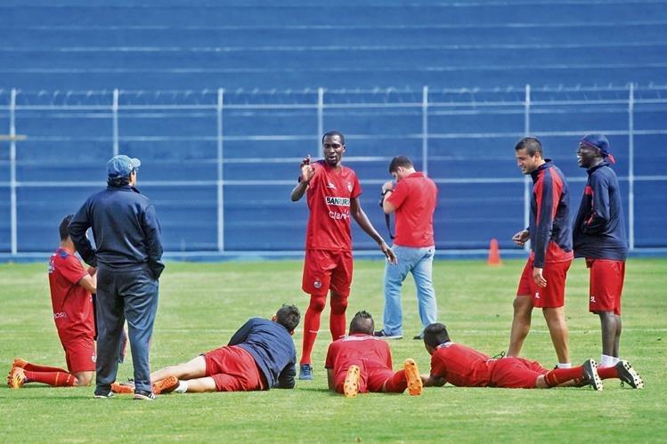Los rojos se preparan para derrotar a Comunicaciones en la jornada 9. (Foto Prensa Libre: Eduardo González).