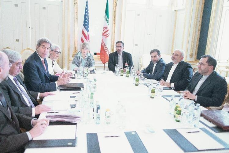 Altos funcionarios de Estado comenzaron las negociaciones en Viena para un acuerdo nuclear de largo alcance. (Foto Prensa Libre: EFE).