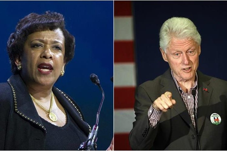 Loretta Lynch (i) y el expresidente Bill Clinton (d), sostuvieron una reunión el lunes que ha recibido críticas. (Foto: Agencias).