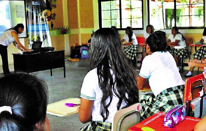 Se espera que 3.2 millones de estudiantes comiencen a asistir a clases en el sector público este lunes. (Foto Prensa Libre: Hemeroteca PL)