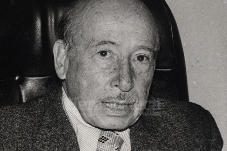 Jorge Toriello Garrido en la década de 1980 cuando dirigía la Cruz Roja Guatemalteca. (Foto: Hemeroteca PL)