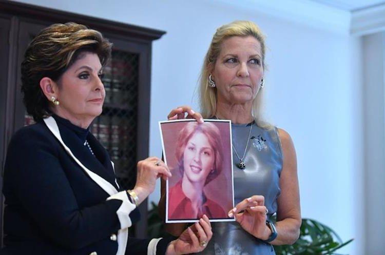 La abogada Gloria Allred (i) y Robin, quien acusa a Roman Polanski de abusar sexualmente de ella cuando tenía 16 años (Foto Prensa Libre: AFP).