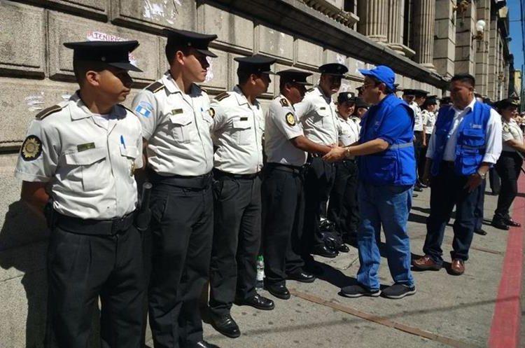 La Policía Nacional Civil ha brindado seguridad a los manifestantes del #20S.