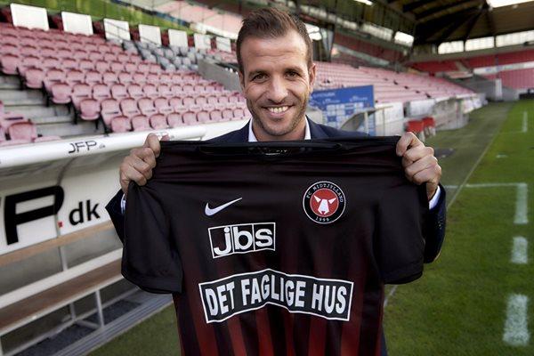 Rafael van der Vaart es el nuevo fichaje del FC Midtjylland. (Foto Prensa Libre: AP)