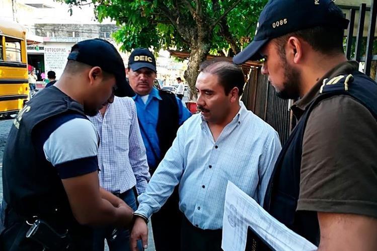 Cesar Donaldo Juárez Fuentes al momento de la captura en Coatepeque. (Foto Prensa Libre: Whitmer Barrera).