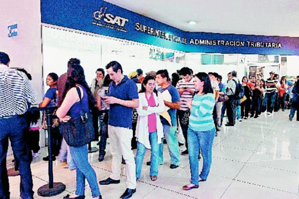 Esta semana se tiene previsto que la SAT tenga a nuevo superintendente. (Foto Prensa Libre: Archivo)