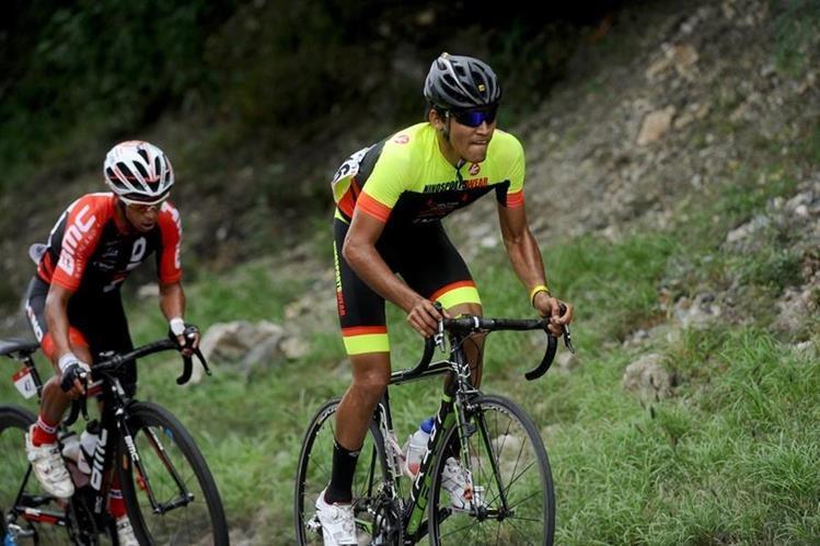 Acción durante la segunda etapa de la Vuelta a Guatemala 2017. (Foto Prensa Libre: Francisco Sánchez)