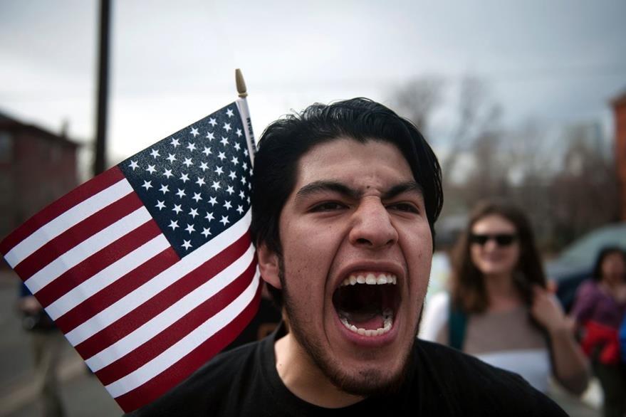 Bajo las nuevas directrices, prácticamente, todo aquel que no tenga en orden sus documentos será deportado. (Foto Prensa Libre: AFP)