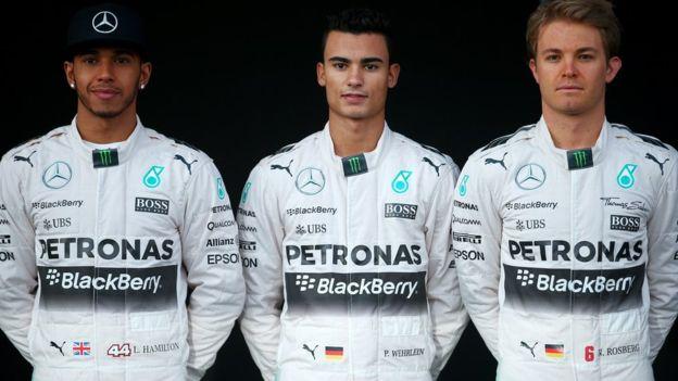 Pascal Wehrlein, en el centro, es el principal candidato a sustituir a Rosberg. (AFP)