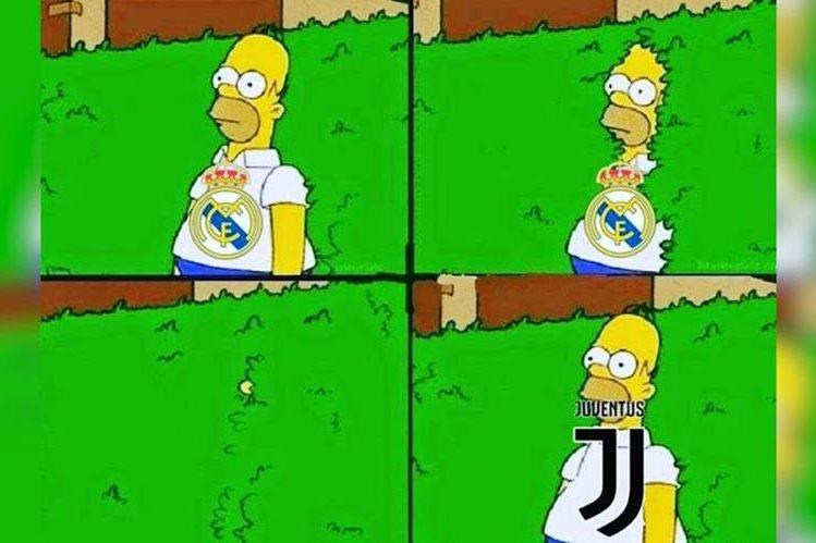 El popular meme de Homero Simpson fue utilizado para graficar el cambio de equipo de Cristiano Ronaldo. (Foto Prensa Libre: Redes)