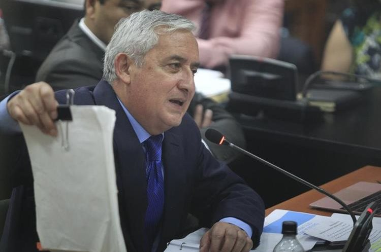 Otto Pérez, procesado en caso La Línea, se refiere a la acusación del MP y Cicig en su contra.(Foto: Carlos Hernández)