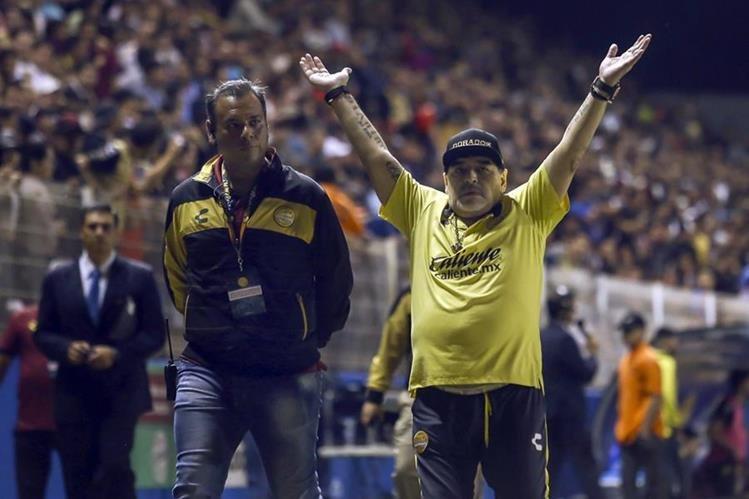 Diego Armando Maradona was again at the center of the controversy. (Photo by Prensa Libre: AFP)