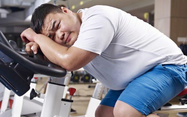 Las personas con sobrepeso deben comenzar a hacer ejercicio paulatinamente, para evitar dolencias.