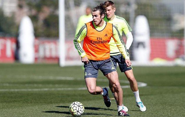 El galés Gareth Bale volvió a los entrenamientos de forma normal, pero no estará mañana contra el Levante. (Foto Prensa Libre: Real Madrid)