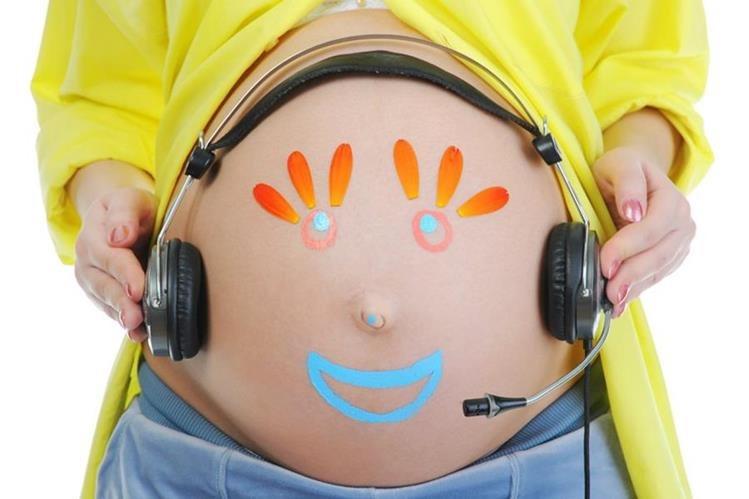 Escuchar música clásica solo ayuda al niño tener mejor percepción espacial, pero no lo hace más inteligente.