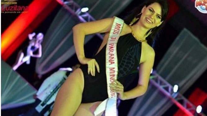 La concursante Leticia Cappatto fue por unos segundos Miss Rondonia Mundo 2015, luego le arrebataron la corona. (Foto Prensa Libre: Hemeroteca PL)