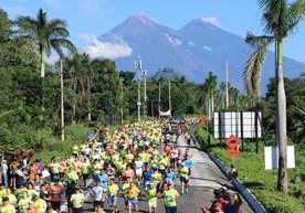 Cientos de atletas participaron en la Carrera del Azúcar 2018.