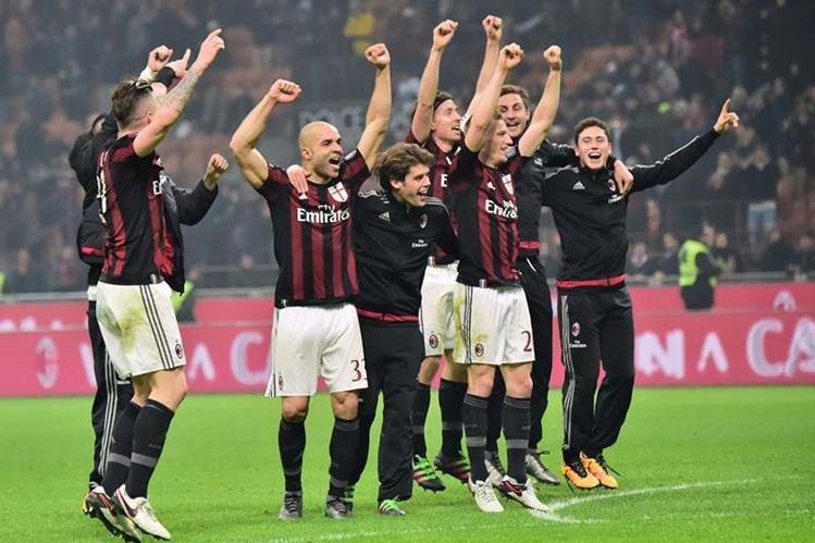 El Milán logró una importante victoria en el derbi. (Foto Prensa Libre: AFP)