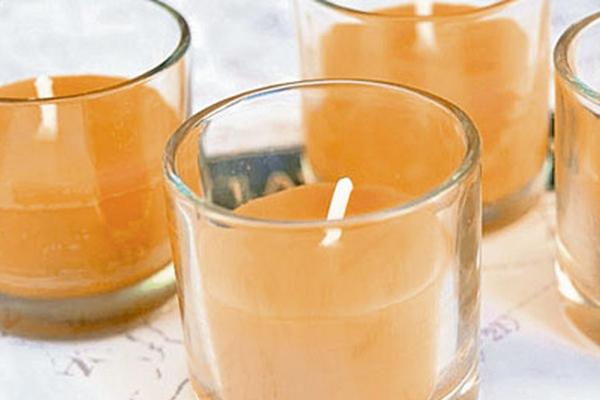 <p>Las velas aromáticas son una excelente opción para armonizar el hogar. (Foto Prensa Libre: Archivo)</p>