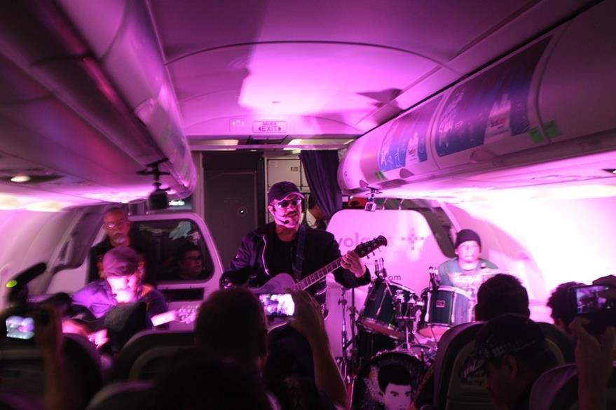 Los aluxes  interpretaron lo mejor de su repertorio en el concierto Desde el aire. (Foto Prensa Libre: Keneth Cruz)
