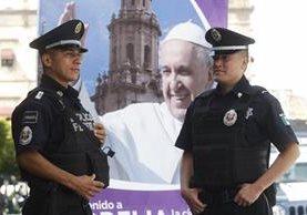 Más de 13 mil agentes de la Policía Federal se encargarán de la seguridad del Papa en México. (Foto Prensa Libre: EFE).