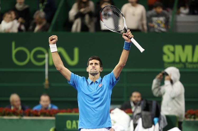 El serbio Novak Djokovic venció al español Fernando Verdasco en las semifinales del torneo de tenis masculino de Doha. (Foto Prensa Libre: AFP)