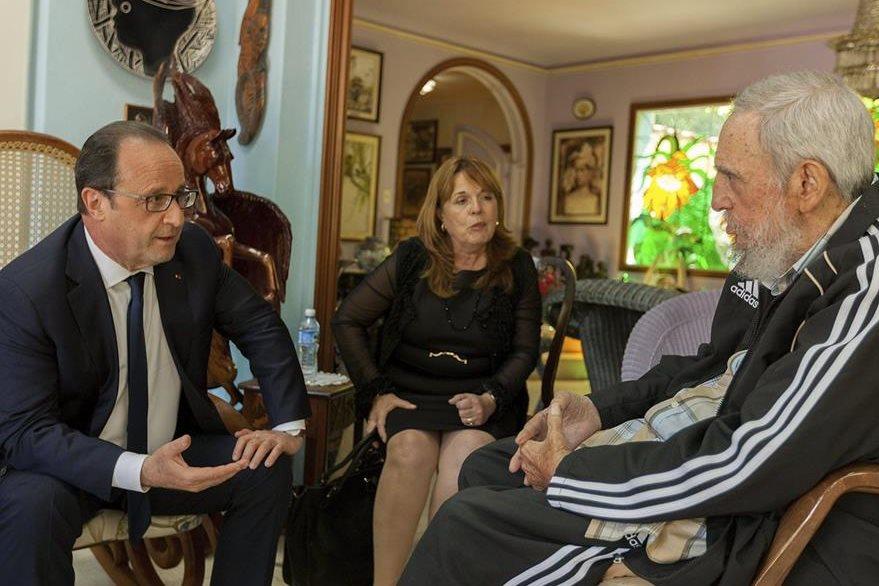 El mandatario francés, durante reunión con Fidel Castro. (Foto Prensa Libre: AP)