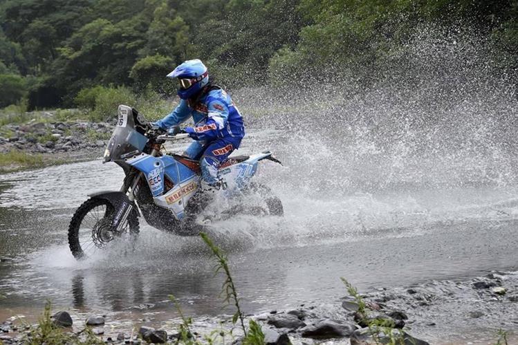 El piloto guatemalteco Francisco Arredondo, en acción. (Foto Prensa Libre: Cortesía Francisco Arredondo)