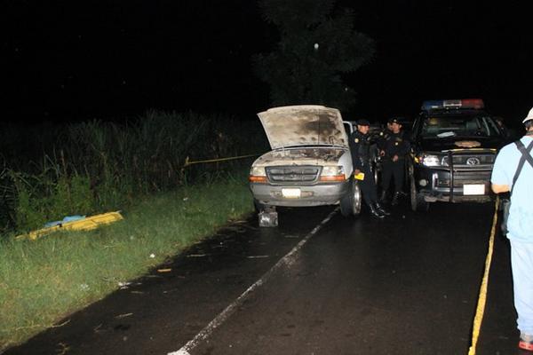 """<p>La familia viajaba en un picop, y descendieron en el lugar para repararlo, momento en que aparecieron los delincuentes. (Foto Prensa Libre: Estuardo Paredes)<br _mce_bogus=""""1""""></p>"""