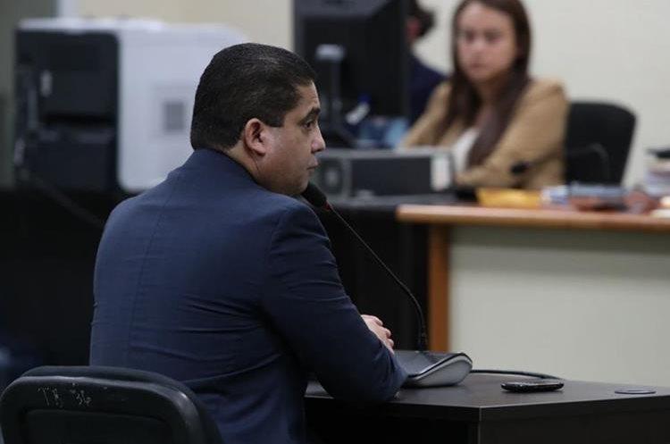 Juan Carlos Monzón reveló que Roxana Baldetti necesitaba Q500 mil mensuales para vivir. (Foto Prensa Libre: Paulo Raquec)