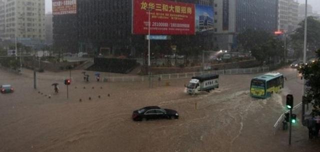 Inundaciones en China han dejado 75 desaparecidos. (Foto Prensa Libre: AP)
