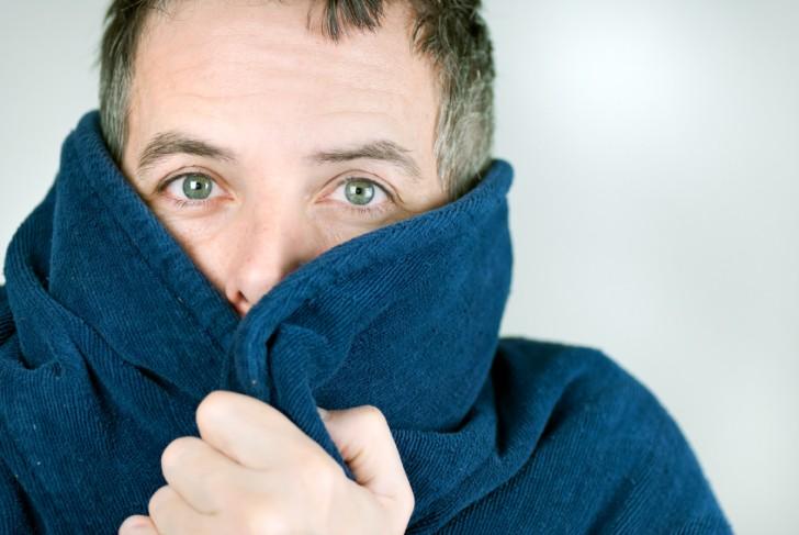 Un incremento de la excitabilidad en las neuronas sensitivas conlleva un aumento de la sensibilidad contra el dolor provocado por el frío.
